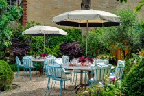 Brunch in a secret garden