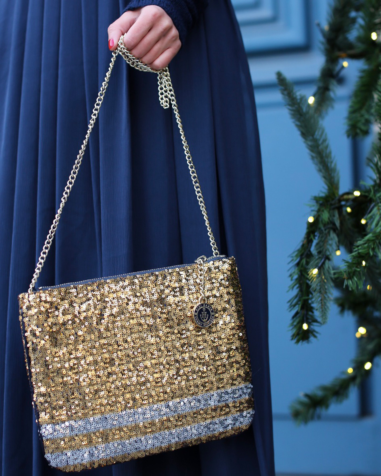 Happy New Year, Look, Nouvel an, Mode, Tommy Hilfiger x Gigi Hadid, Pochette, Sequins